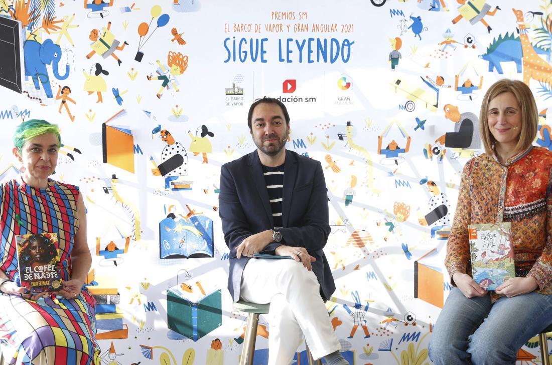 Beatriz Osés y Chiki Fabregat, ganadoras de la 43.ª edición de los Premios SM El Barco de Vapor y Gran Angular