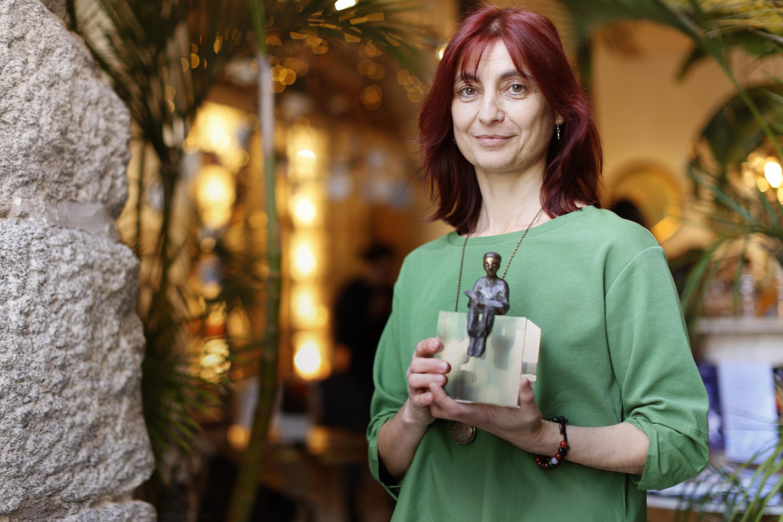 Ganadores de los Premios con la presentadora del acto